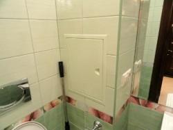 Прячем трубы в ванной