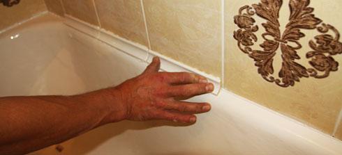 заделка стыка ванны и стены