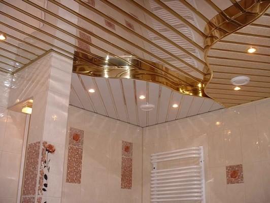 зеркальный потолок для ванной