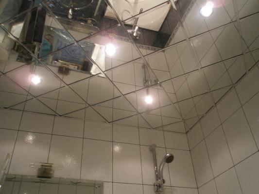 зеркальные натяжные потолки фото