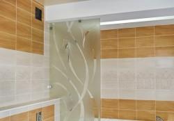 стеклянные перегородки в ванную комнату фото