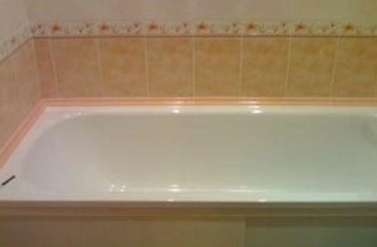 плиточный бордюр для ванной