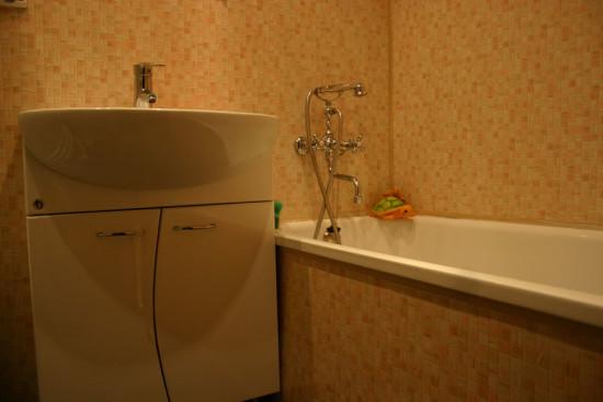 отделка пластиком ванной комнаты фото