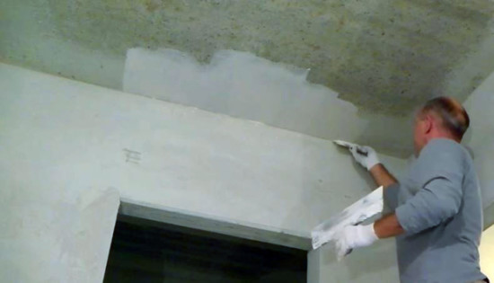 шпаклевка потолка своими руками видео