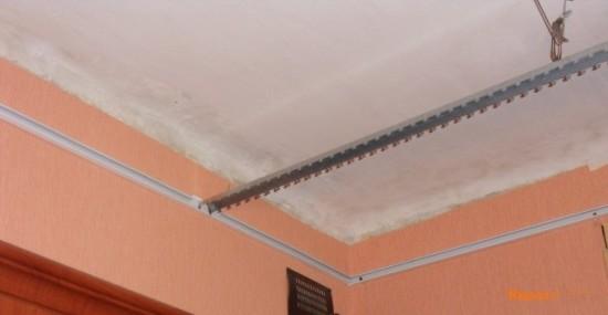пластиковый потолок в ванной фото