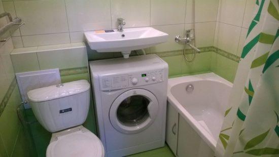 зеленая ванная хрущевка
