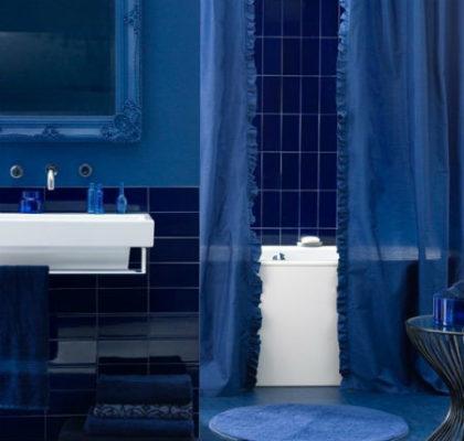 синяя плитка для ванной комнаты