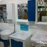 навесные полки для ванной комнаты