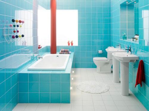 голубая плитка для ванной комнаты фото